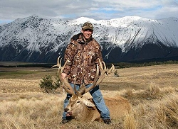 NZ Backcountry Guides trophy red stag or Himalayan tahr hunting trip